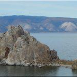 Bajkál partja és a Sámán szikla