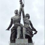 A munkás és a kolhozparasztnő szobor