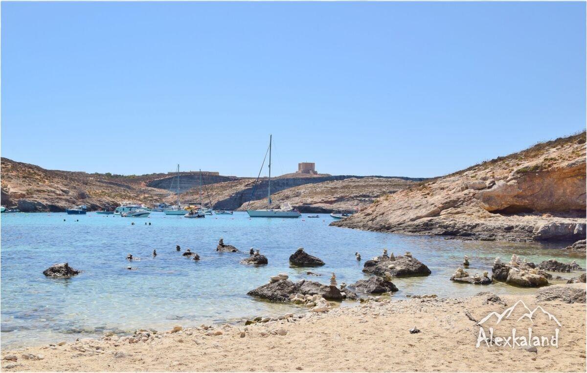 Comino szigeten lévő Kék lagúna